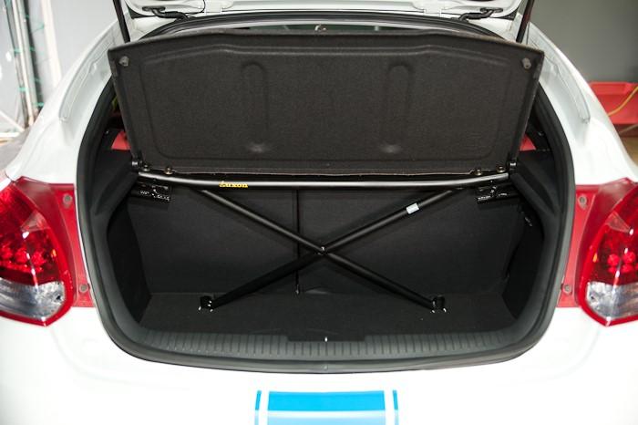 2012 Hyundai Veloster LUXON REAR Strut bar